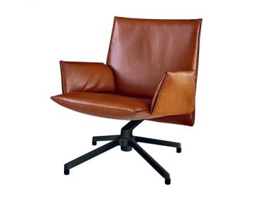 pilot-chair-low-pelle-venezia-cognac-knoll