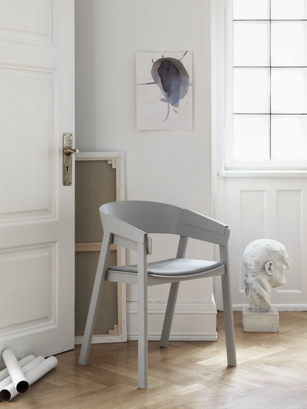 4047-cover-chair-lifestyle-image muuto